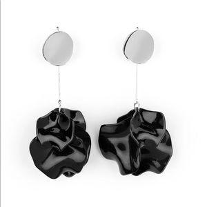 Paparazzi black acrylic earrings